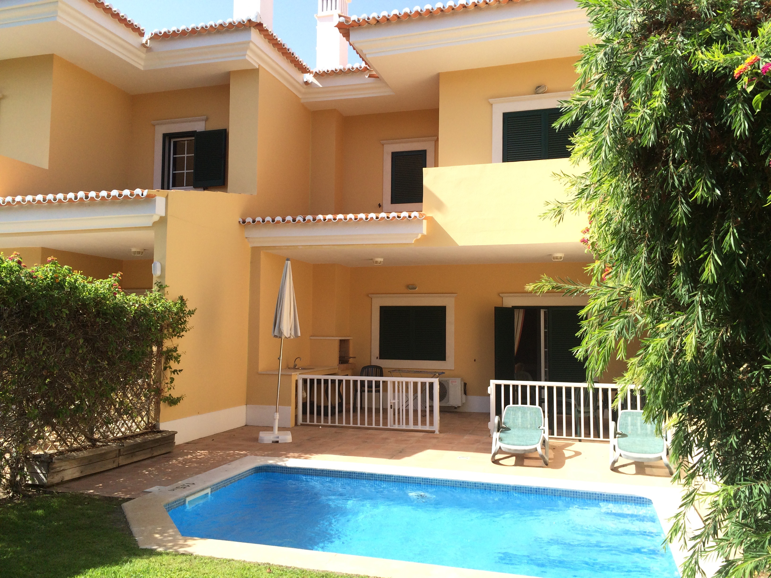 2 bedroom townhouse with private pool