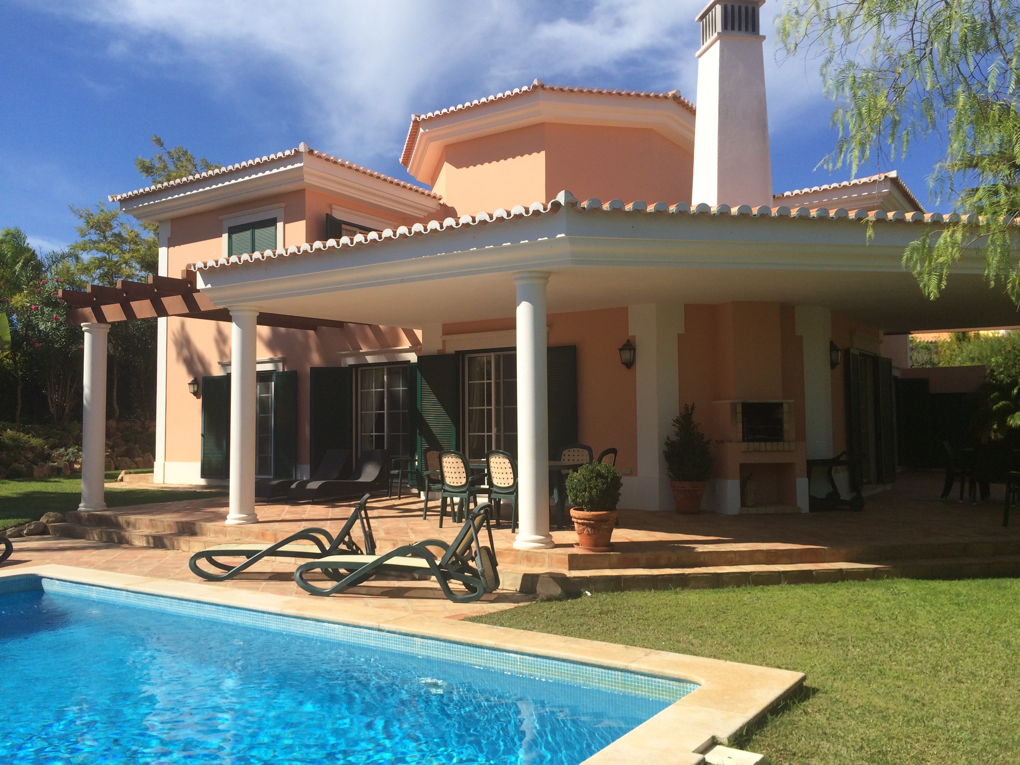 3 bedroom villa with private pool