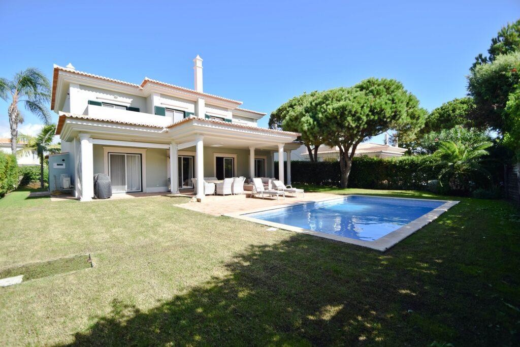 Refurbished 4 South facing bedroom villa - Martinhal Quinta